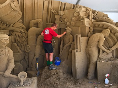 EQT-regatta-sand-sculpture